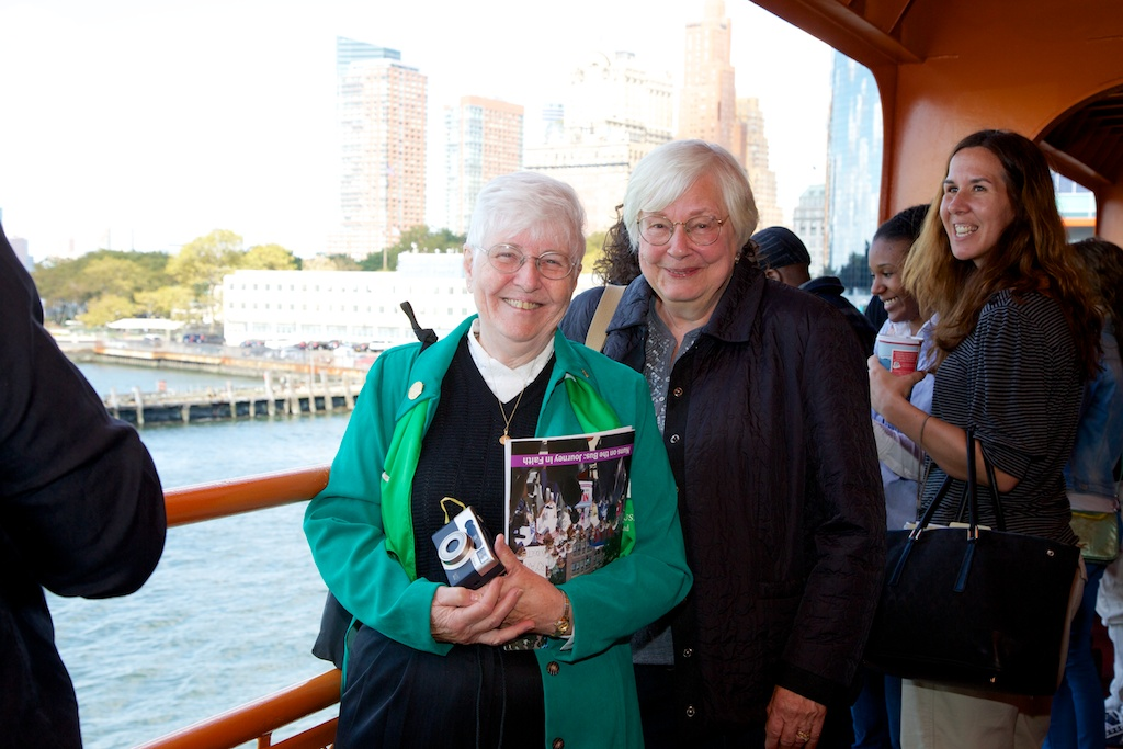 Nuns-on-the-Ferry-30